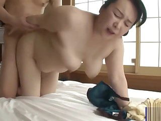 Plump Fat Botheration Japanese Mommy and Son Creampie