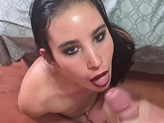Exasperation to mouth slut gets a mouth effectual of cum